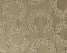 Doily 3 Plaza Taupe